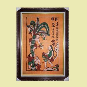 tranh-dan-gian-dong-ho-buc-hung-dua-treo-phong-khach-dep-106