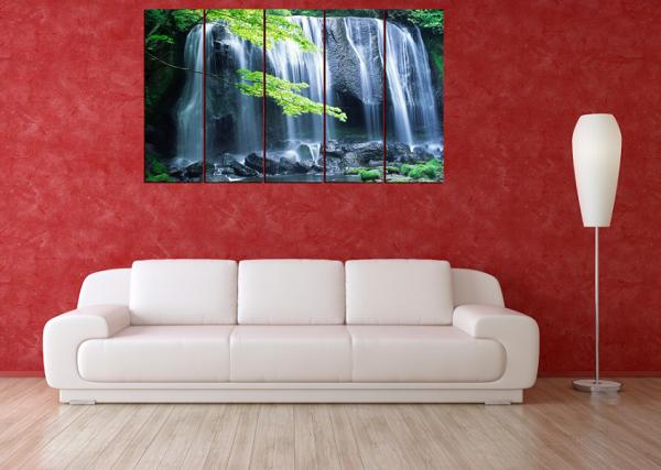 Tranh thuộc dòng tranh phong cảnh nhưng mang nét hiện đại, rất đẹp khi treo ở phòng khách chung cư, phòng khách thoáng và rộng