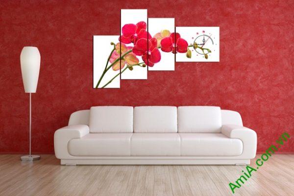 Màu Đỏ của hoa Lan Hồ Điệp thu hút ánh nhìn cho bức Tranh trang trí phòng khách