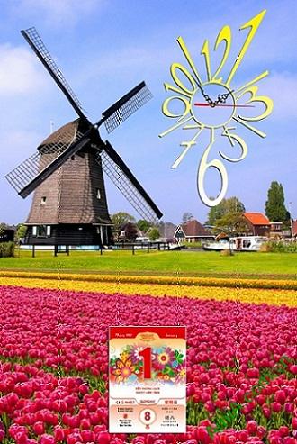 Tranh đồng hồ lịch Tết treo phòng khách với hình ảnh vườn hoa và cỗi xay gió