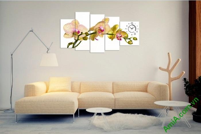 Hình ảnh tranh trang trí phòng khách hiện đại hoa phong lan