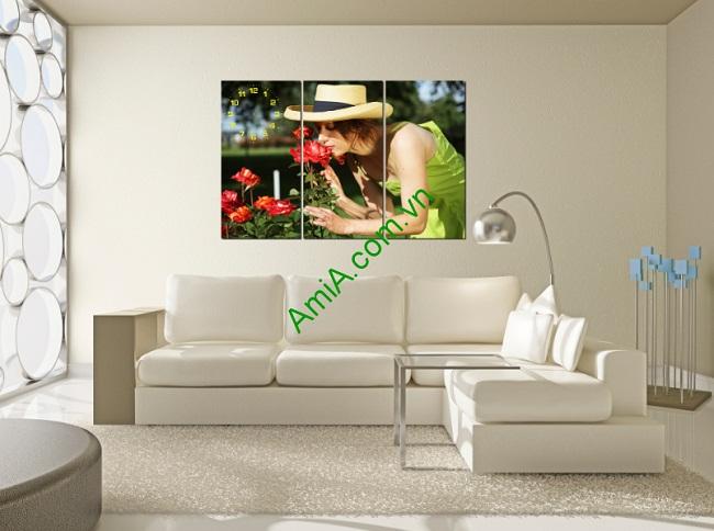 Tranh đồng hồ treo tường phòng khách, phòng ngủ Cô Gái Amia 174-01