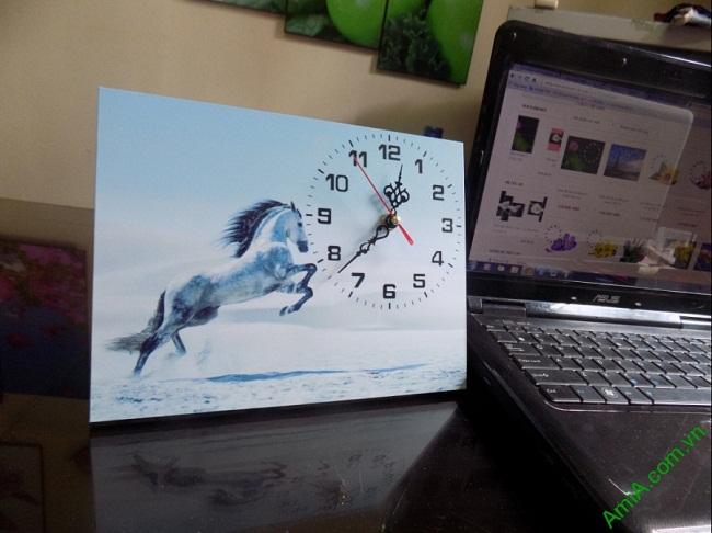 Tranh đồng hồ để bàn Ngựa phi nước đại Amia TDB 102-01