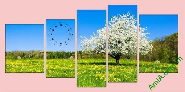 Tranh phong cảnh mùa xuân trang trí phòng khách sang trọng