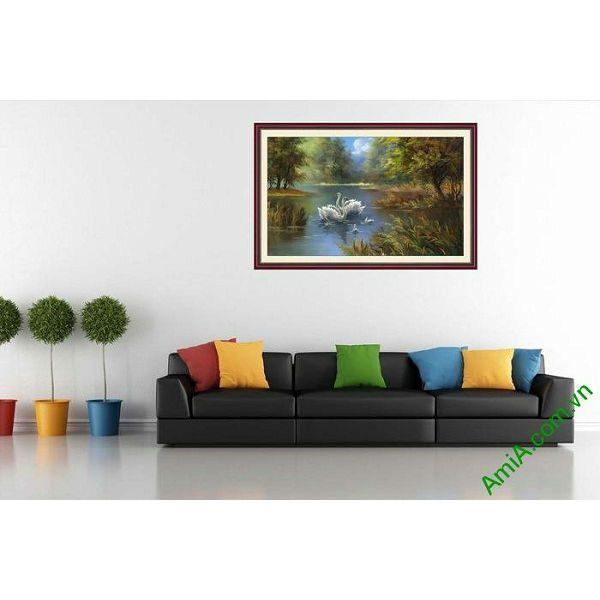 Tranh trang trí in giả sơn dầu hồ chim thiên nga AmiA 677-00