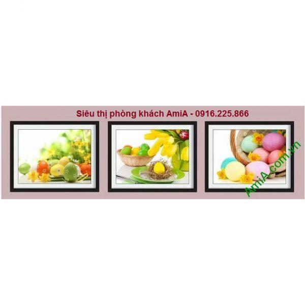 hình ảnh Khung tranh trang trí giỏ trứng sắc màu