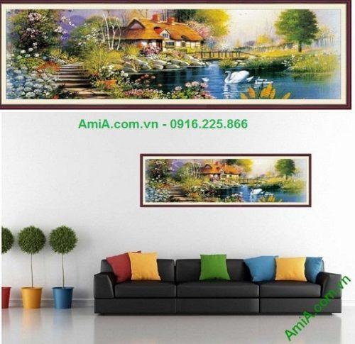 Hình ảnh tranh trang trí nội thất phòng khách ngôi nhà khi đặt treo trên tường