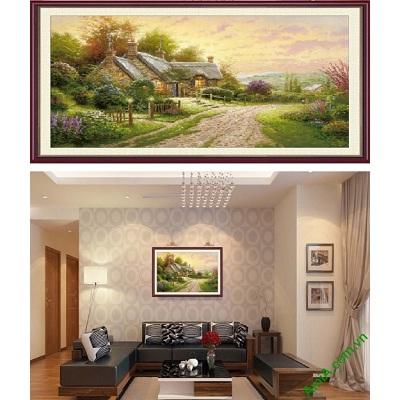 Hình ảnh Khung tranh nghệ thuật trang trí phòng khách ngôi nhà trên đồi