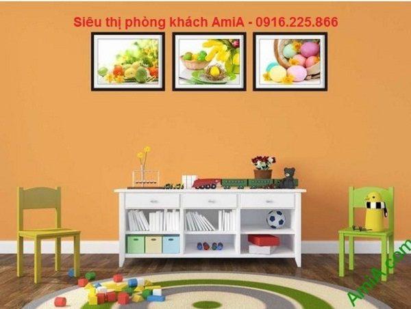 Hình ảnh khung tranh trang trí giỏ trứng sắc màu treo phòng trẻ em