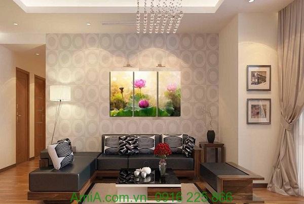 Hình ảnh Tranh ghép bộ đầm hoa sen trang trí phòng khách sang trọng