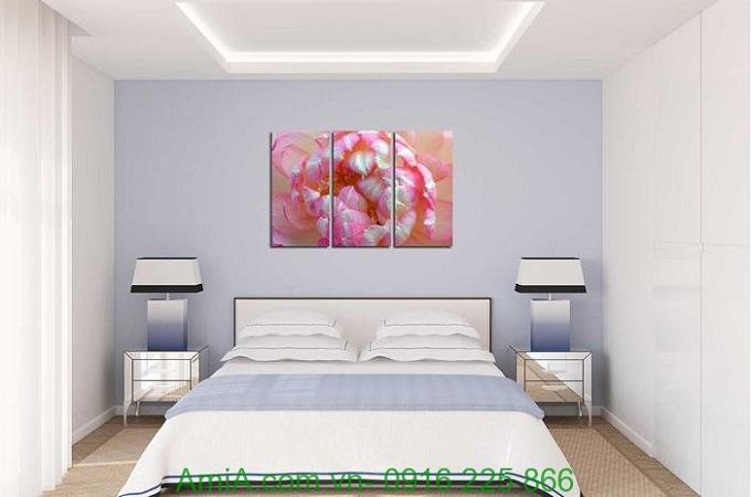 Hình ảnh Tranh trang trí hiện đại bông hoa sen treo phòng ngủ