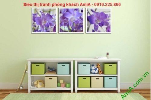 mẫu tranh trang trí nội thất phòng khách hoa lan tím