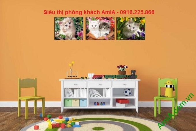 Hnh ảnh mẫu Tranh mèo con khi đặt treo phòng của bé