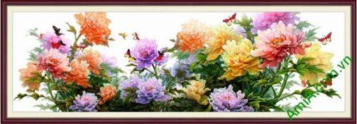 hinh anh tranh hoa mau don dep treo phong khach