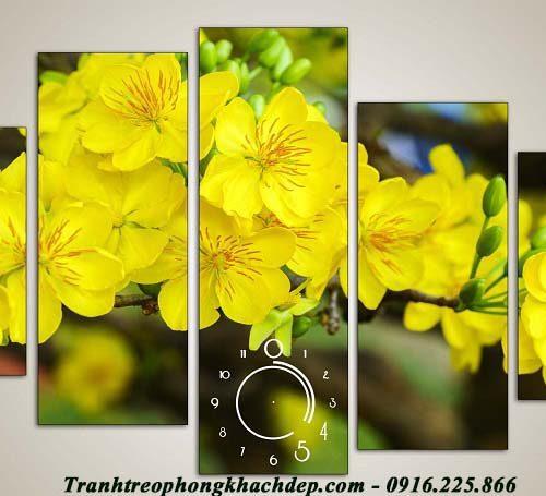 Hinh anh dong ho treo tuong hoa mai vang