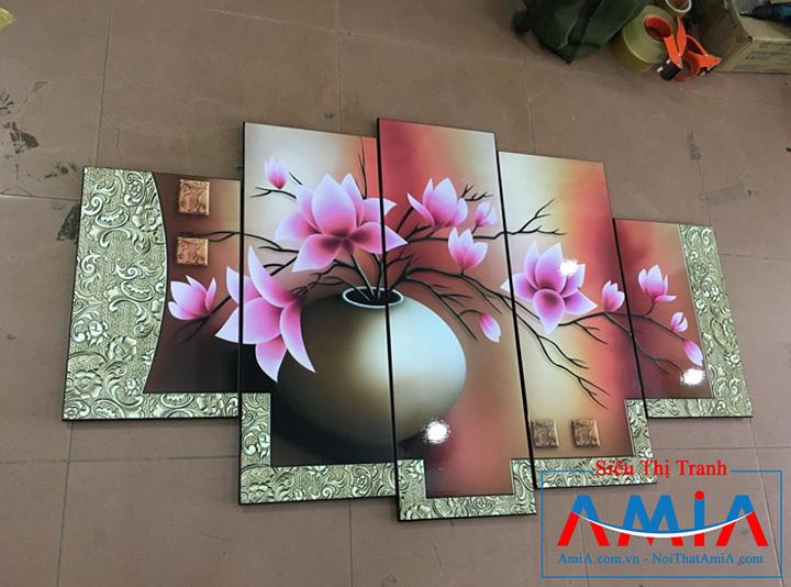 Tranh bình hoa AmiA 1086 chụp tại cửa hàng tranh AmiA