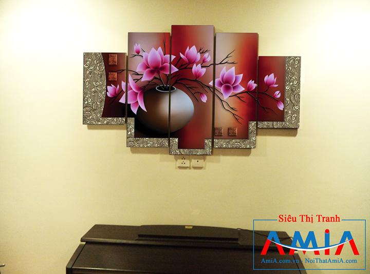 Tranh bình hoa Amia 1086 ghép 5 tấm treo nhà chung cư hiện đại