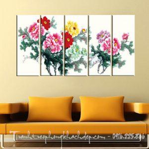 Hinh anh tranh canvas hoa mau don ghep bo treo phong khach dep AmiA