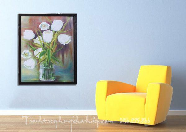 Hinh anh tranh canvas treo phong khach dep binh hoa tulip
