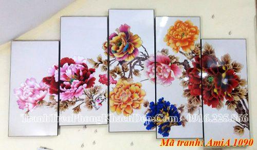 Tranh hoa mẫu đơn treo thực tế ở cửa hàng Amia 1090