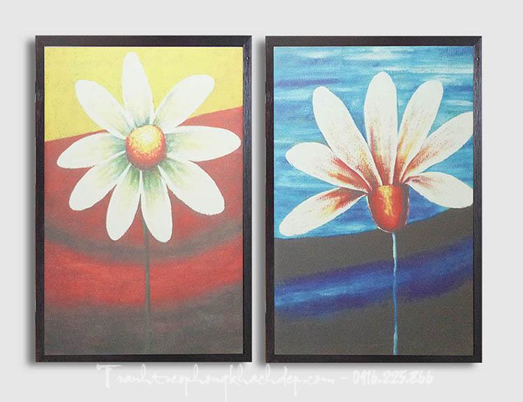 Hinh anh bo khung tranh canvas hoa la hai tam treo cau thang
