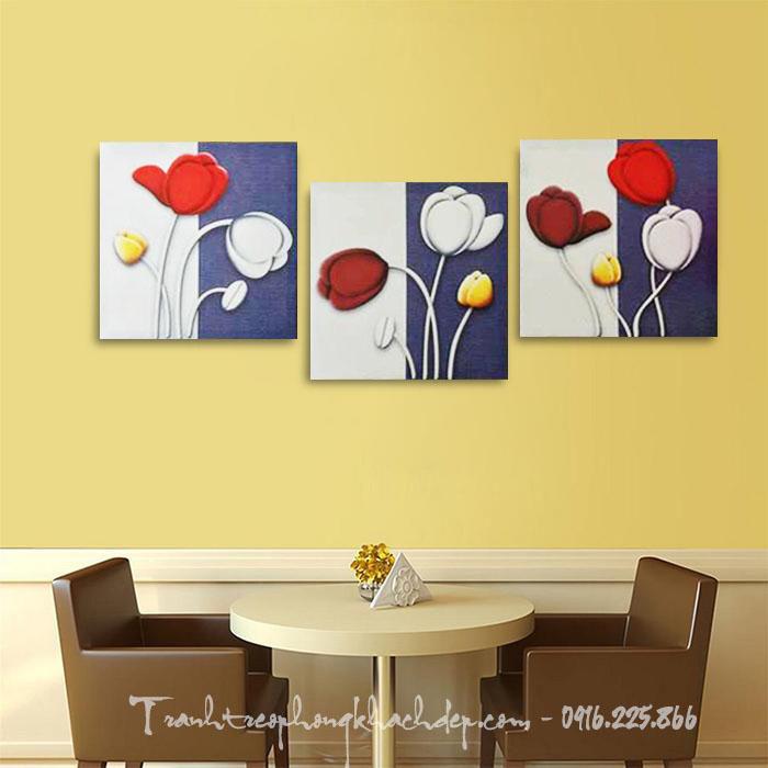 Hinh anh tranh treo cau thang canvas ghep bo hoa tulip
