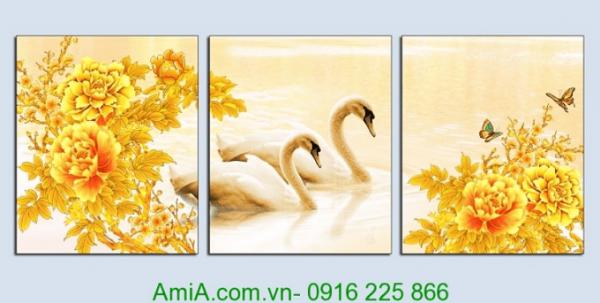 Hinh anh tranh doi chim uyen uong va hoa mau don vang treo phong khach