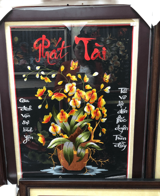 Buc tranh theu tay cao cap truyen thong chu phat tai don nam moi y nghia