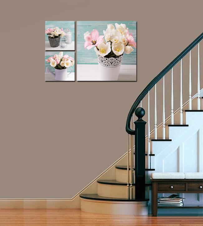 Hinh anh tranh gio hoa tulip kho 3 tam treo cau thang hien dai AmiA 289