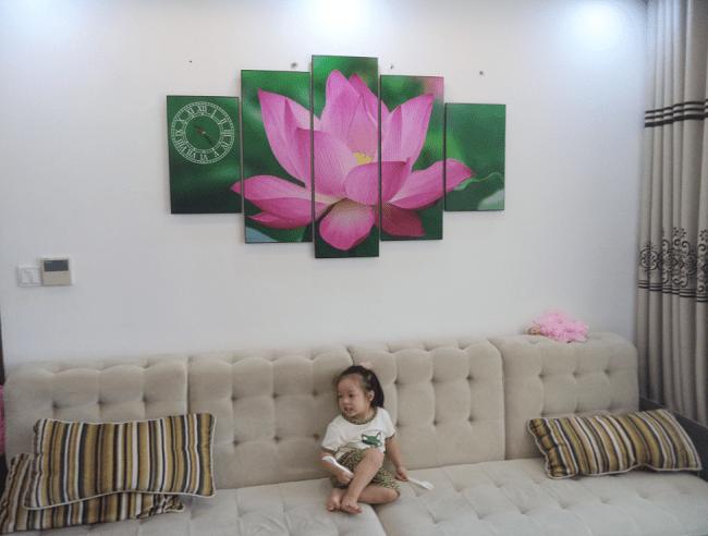 Tranh hoa Sen AmiA ma 937 treo ngay tet y nghia