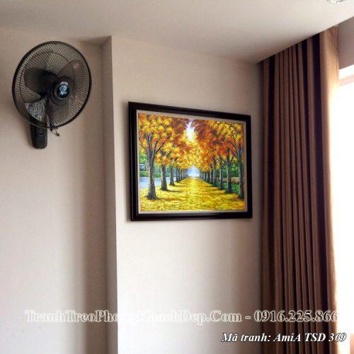 Tranh sơn dầu Amia 369 khổ nhỏ treo ở phòng khách