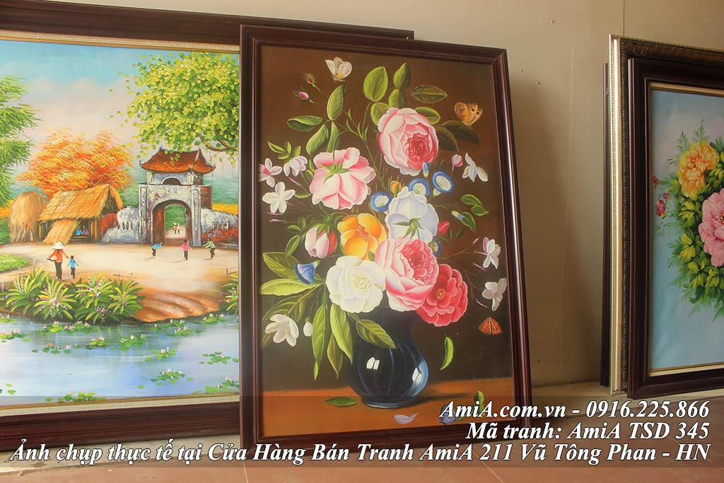 Tranh son dau binh hoa hong phap AmiA treo phong khach