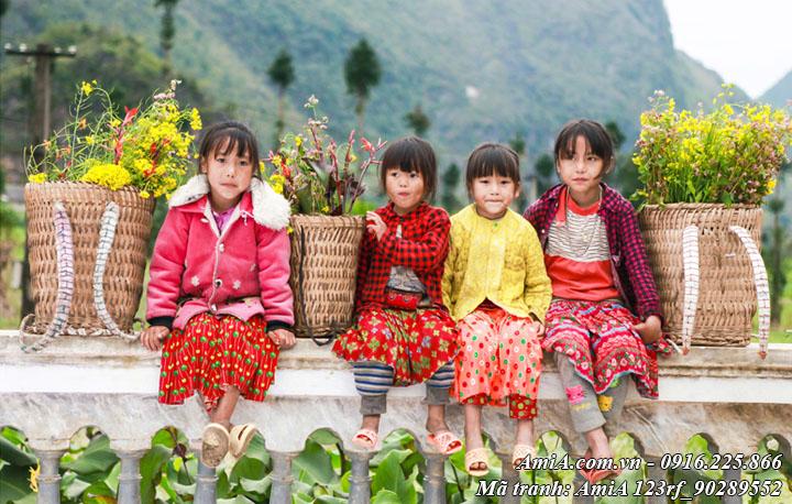 Hình ảnh các bé gái dân tộc vùng cao tây bắc