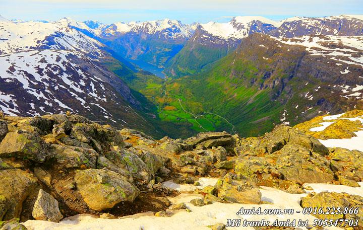 Hình ảnh phong cảnh đồi núi đấy đá ở vùng núi Tây Bắc