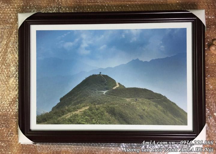 Hình ảnh tranh treo khách sạn phong cảnh đồi núi thực tế AmiA