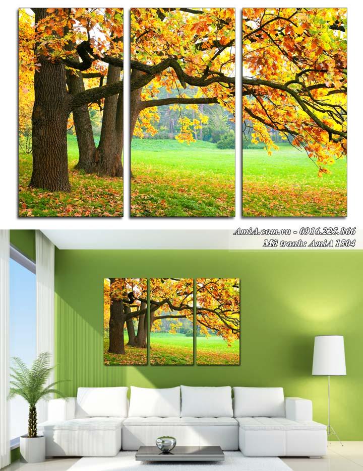 Hình ảnh tranh rừng cây treo ở phòng khách hợp tuổi Ngọ 1990