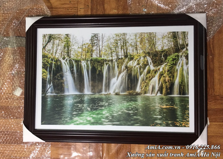 Tranh treo khách sạn thác nước thực tế trong rừng