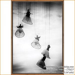Hình ảnh tranh đen trắng canvas Amia CVM17 nhảy dù