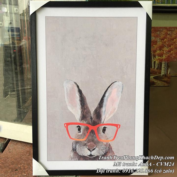 Tranh canvas thỏ kính hồng thực tế tại cửa hàng tranh amia