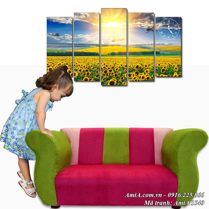 Tranh phong cảnh đẹp treo phòng khách cánh đồng hoa hướng dương