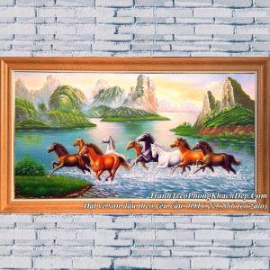Hình ảnh tranh sơn dầu vẽ 8 con ngựa giữa cảnh sông núi hữu tình