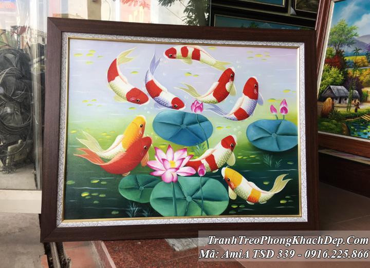 Tranh sơn dầu mã 339 vẽ cá chép hoa sen khổ nhỏ